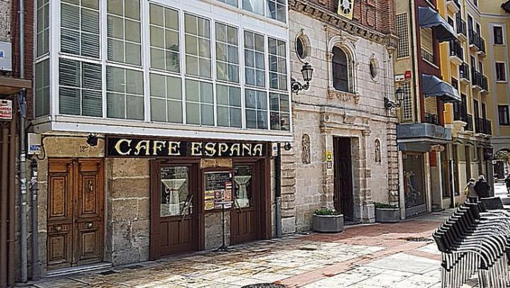 Café España. Entrada