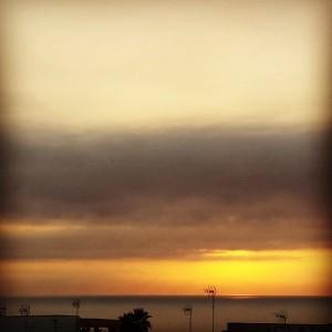 Este amanecer el cielo derrocha amarillo