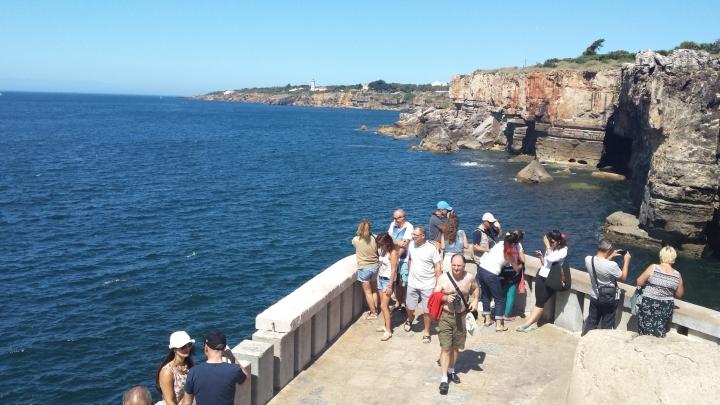 Turistas en Cascais, Boca do Inferno