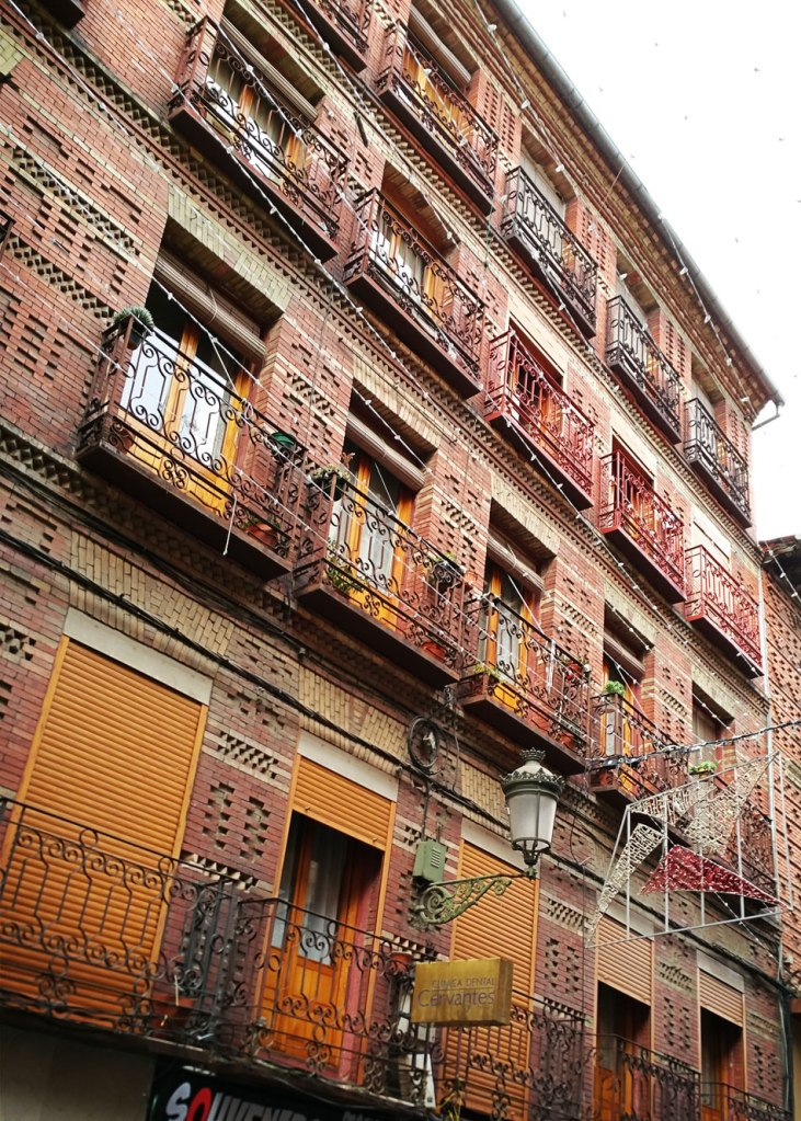 Segovia - Fachada de ladrillo