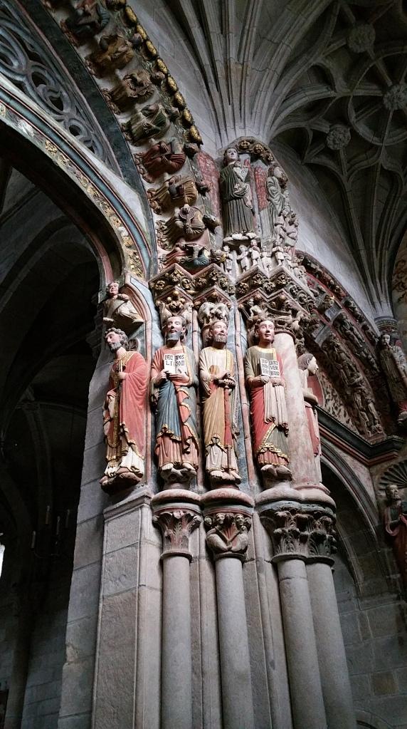 Orense: parte derecha del Pórtico del Paraíso en la catedral