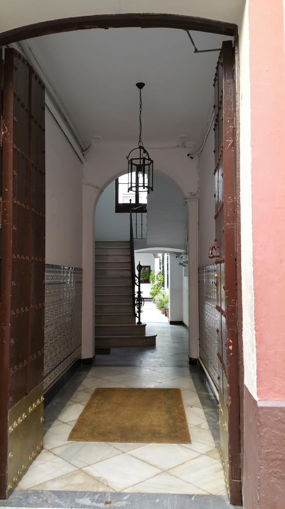 Sevilla.- Calle del casco antiguo