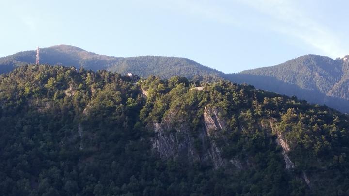 Andorra la Vella. Construcciones en lo alto