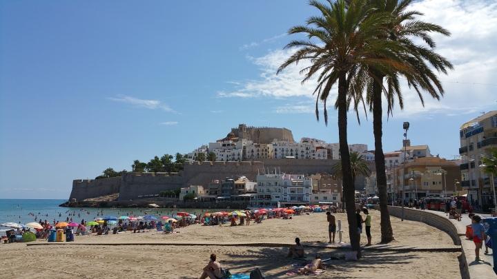 Peñíscola- Principio de la Playa Norte junto a la ciudad antigua