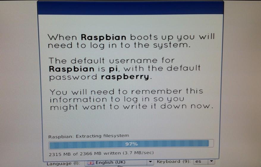 Raspberry Pi. Instalando la distribución Raspbian, desde NOOBS.