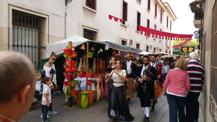 Mercado Cervantino de Alcalá- Actuaciones de músicos en la calle